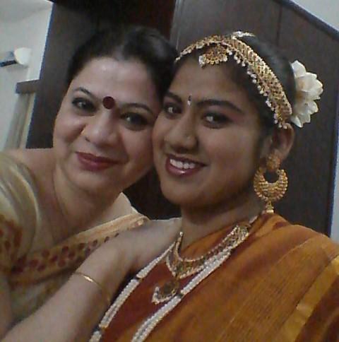 Sandeepa (left) and her daughter Anoushka