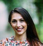 Eva Manova, ancienne élève de l'IB, est titulaire d'un diplôme de deuxième cycle en chimie de l'Université d'Édimbourg et d'un doctorat en chimie de l'École polytechnique fédérale de Zurich.
