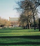 Sunniva Mitskogen a étudié à l'étranger à l'Université du Maine. La photo ci-dessus illustre la bibliothèque et le centre du campus. Crédit photo : Sunniva Mitskogen