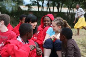 Alumnos de PD en el Moringe Secondary School, colegio asociado del ISD en Tanzania.