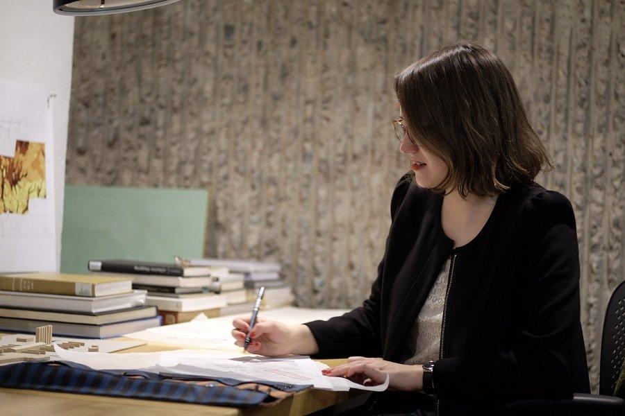 Tras recibir el diploma del IB en el Jyväskylän Lyseon Lukio (Finlandia), Sofia Singler continuó con sus estudios en la Universidad de Cambridge y en la Facultad de Arquitectura de Yale. Imagen cedida por Jason Kurzweil