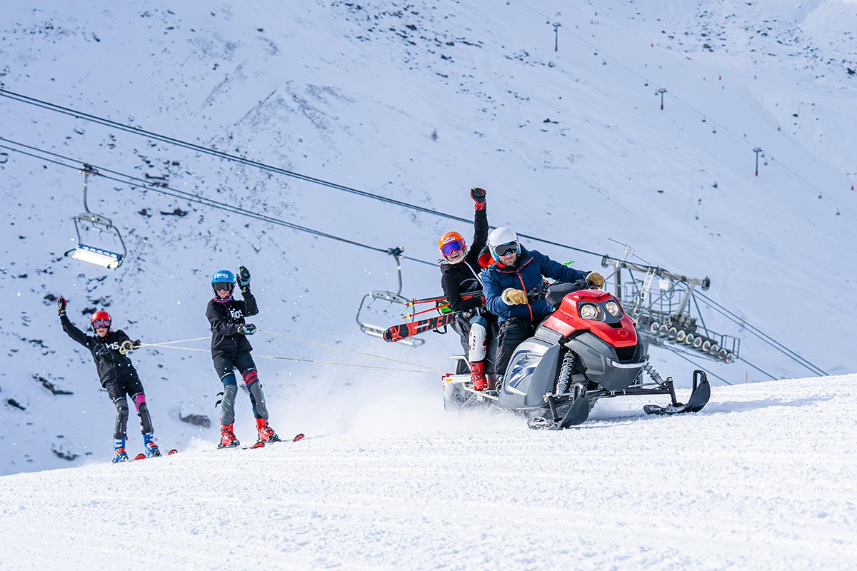 Apex2100 snowmobile