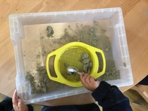 An inquiry through clay: exploring a new language
